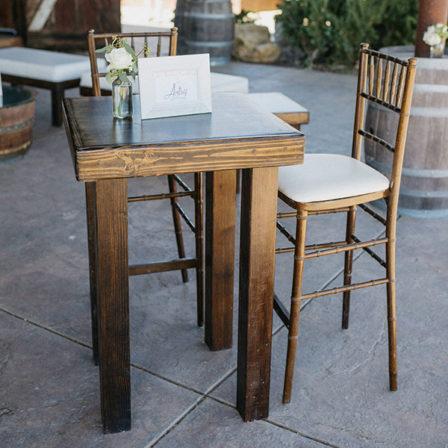 farmhouse-furniture-32x32-farmhouse-cocktail-table